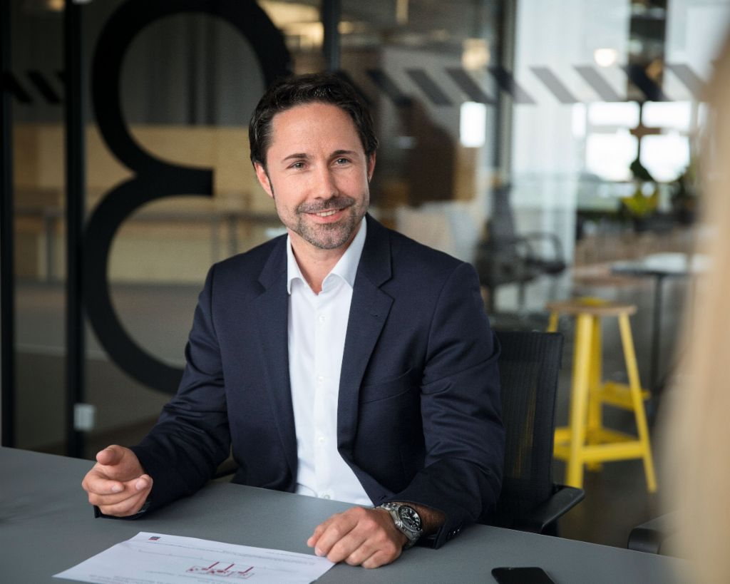 Portrait photograph of Marwin Ramcke, Managing Director of the EOS Group and responsible for the Eastern Europe region